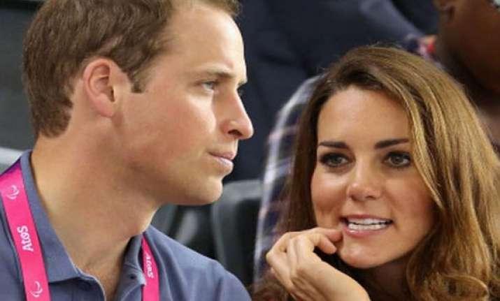 uk awaits its royal baby crowds world media gather outside