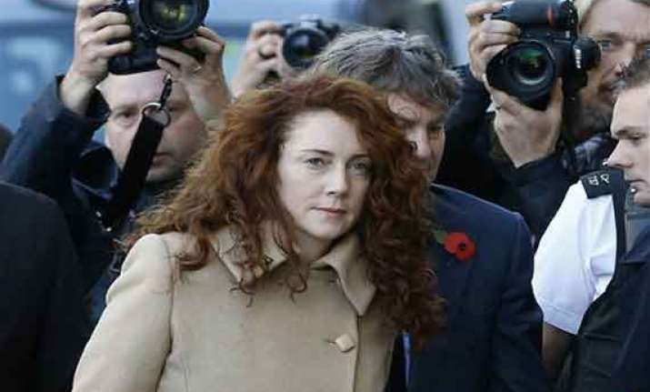 uk phone hacking trial opens for top murdoch aides