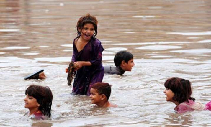un ready to aid pakistan afghanistan after rains floods