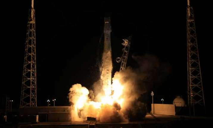 us dragon spacecraft launched