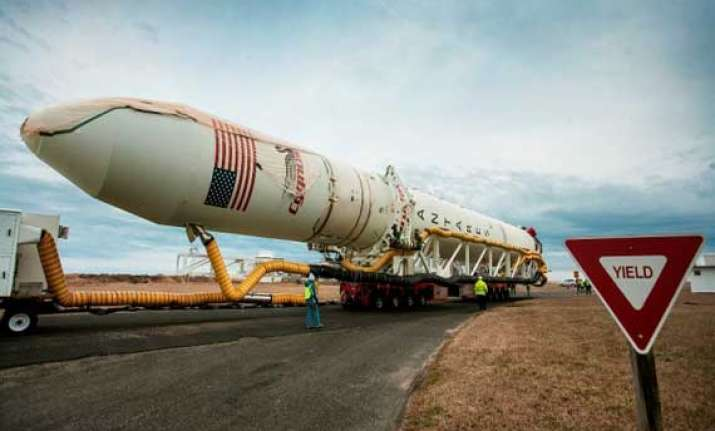us orbital launches second cargo mission to space station
