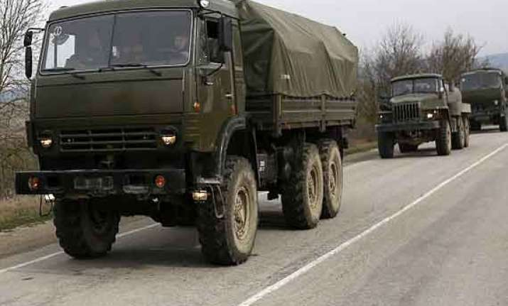 us warns russia over forcing convoy into ukraine