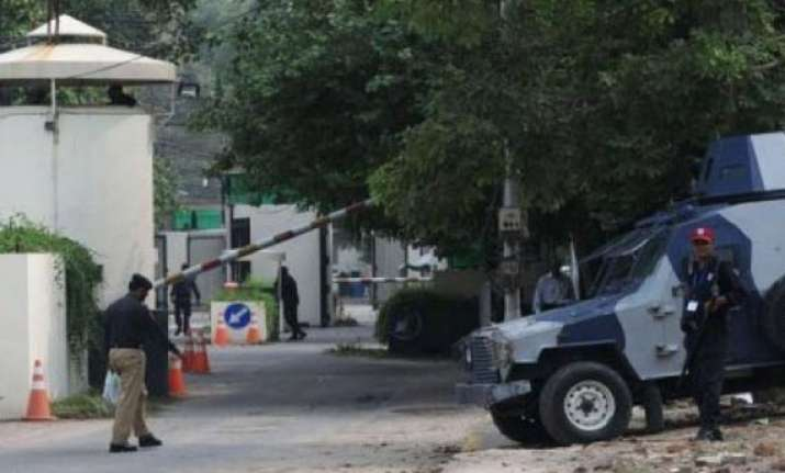 us withdraws staff from lahore consulate