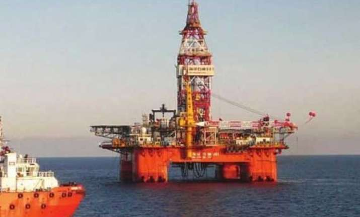 vietnamese protest china oil rig in disputed south china sea