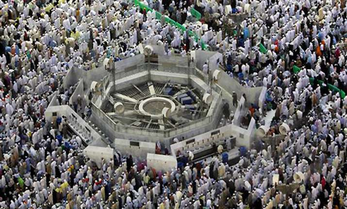 virus fears hit haj pilgrim flow in mecca