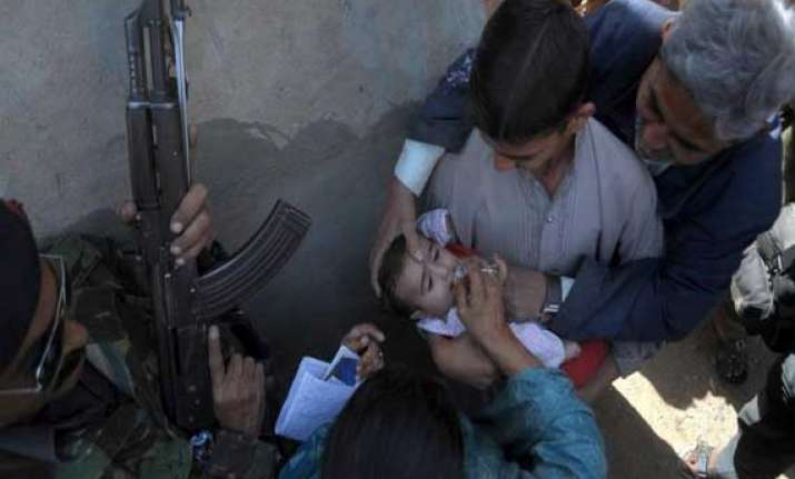 who issues travel restriction on pakistan due to polio