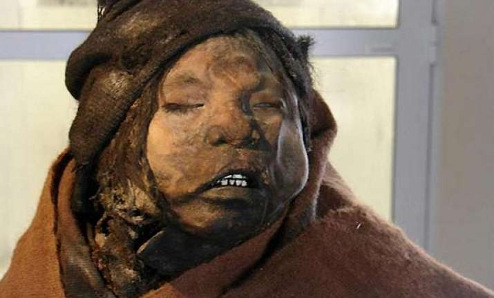 watch pics of incan girl who had been frozen for 500 years