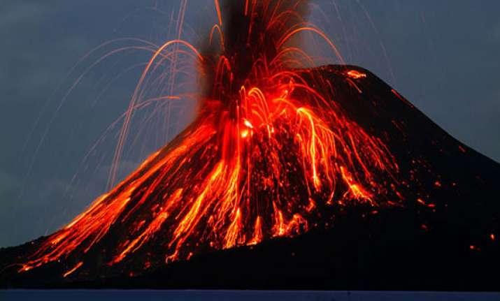 watch the world s top ten biggest volcanic eruptions