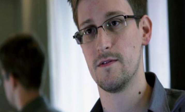 whistleblower snowden leaves hong kong for third country