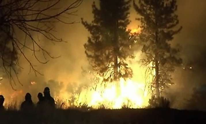 wildfires in greece prompt state of emergency