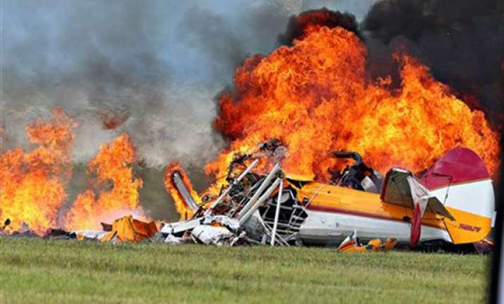 wing walker pilot die in crash at ohio air show