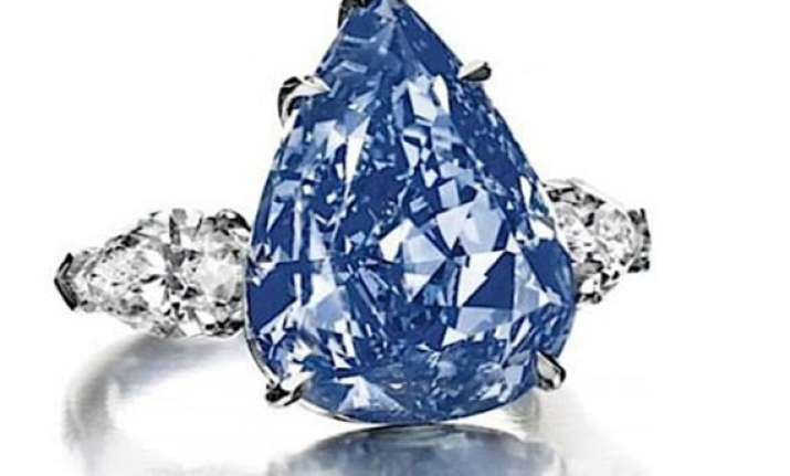 world s largest flawless blue diamond fetches 23.7 mn