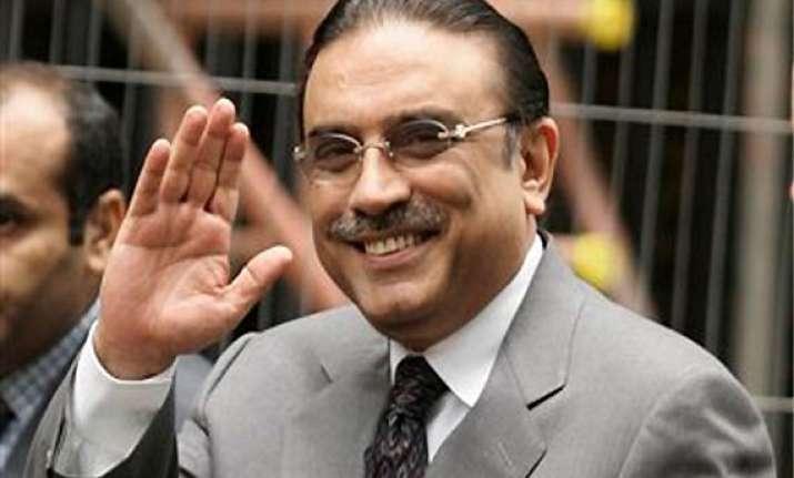 zardari seeks more security fearing taliban attack
