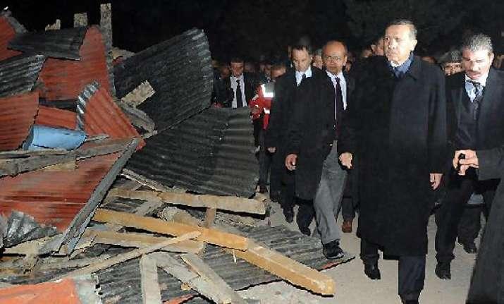 138 dead in turkey quake says prime minister