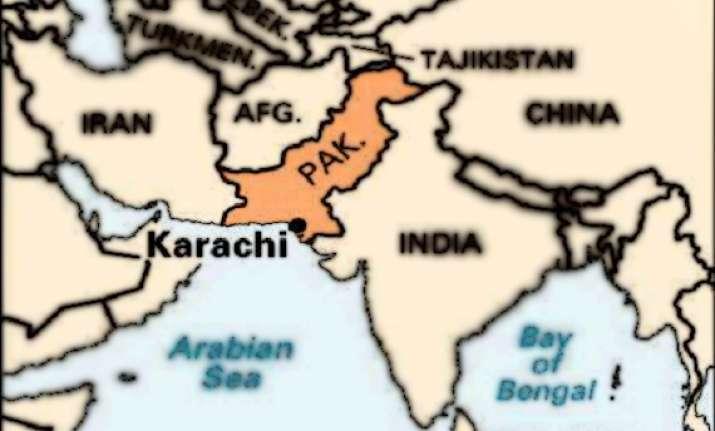 10 injured in karachi cinema hall blast