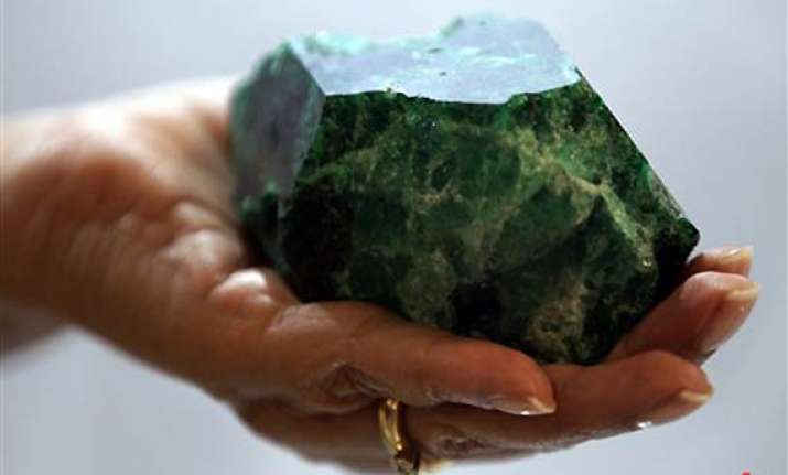 2.27 kg raw emerald goes on display for first time