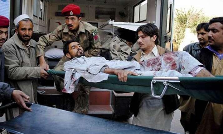 5 killed as peshawar female suicide bomber detonates vest