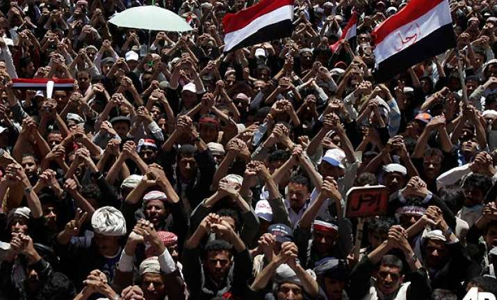 17 killed as yemen boils us pushes for saleh s removal