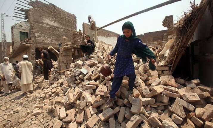 2 killed in blasts in northwest pakistan