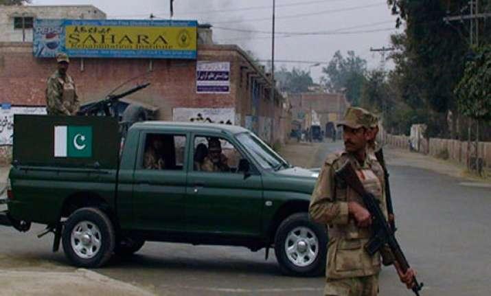 18 killed in blast near shia procession in pak