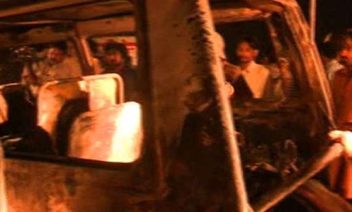 11 killed in cylinder blast in pakistan