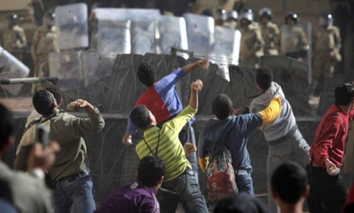 4 killed in egypt s anti military violence