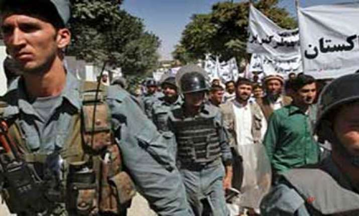 18 killed in insurgent attacks in afghanistan