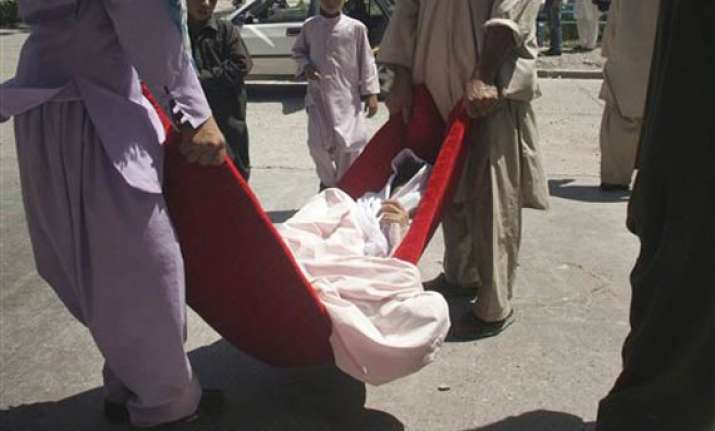 21 people killed by roadside bomb in afghanistan