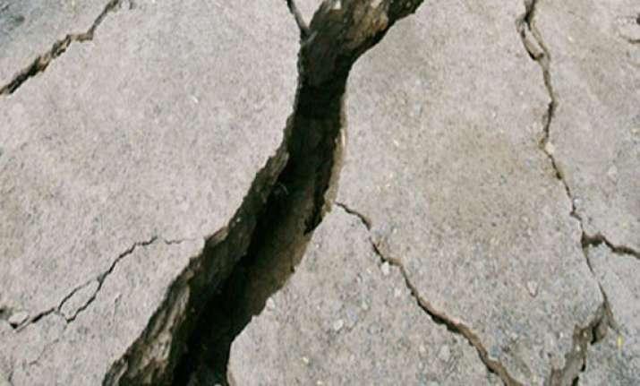 6.2 quake hits off coast of southern mexico