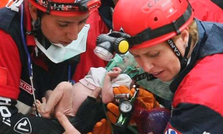 2 week old baby rescued after turkish quake