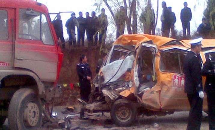 11 children killed in a van crash in china