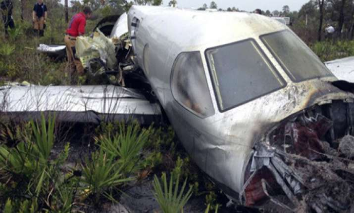 5 dead 13 injured in small plane crash near kiev