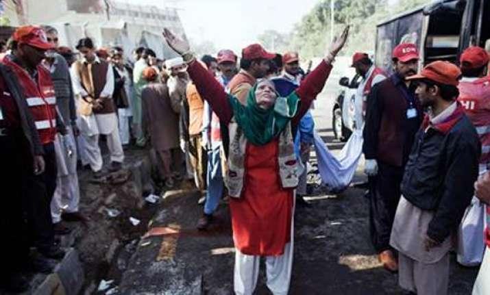 19 killed in pak blast