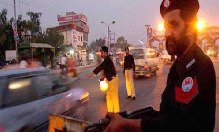 13 shot dead in karachi