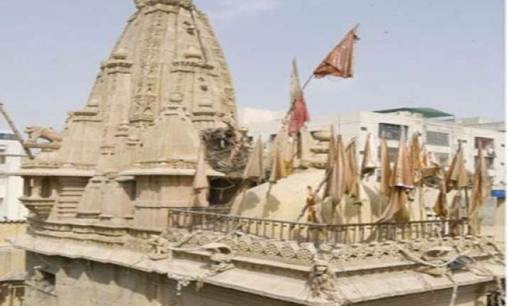 1 500 yr old panchmukhi hanuman temple in karachi being