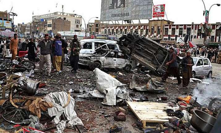 12 die in pakistan bombing