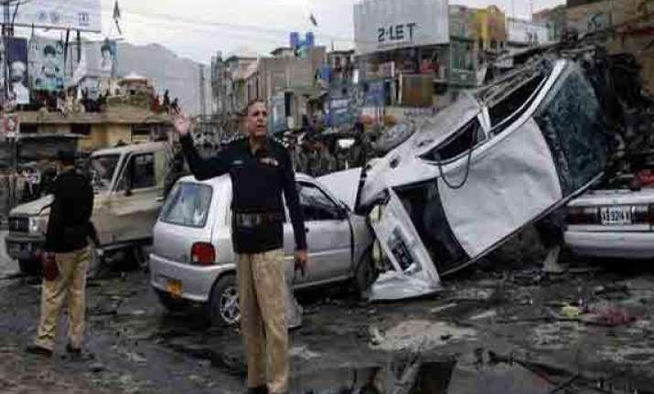 7 killed in pakistan blasts