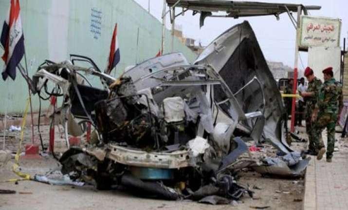 18 killed 44 injured in iraq attacks