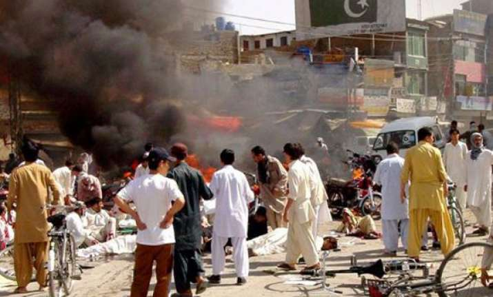 22 killed 60 injured in twin blasts at shia mosque in quetta