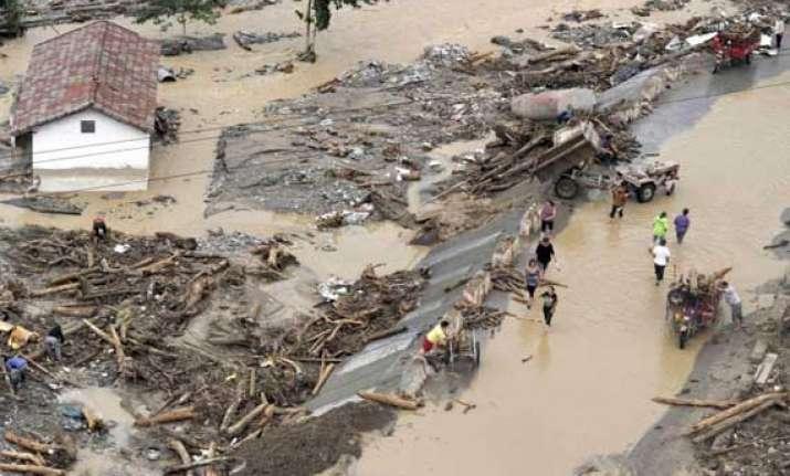 17 missing in china mudslide