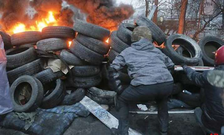 70 protesters killed 500 wounded in kiev