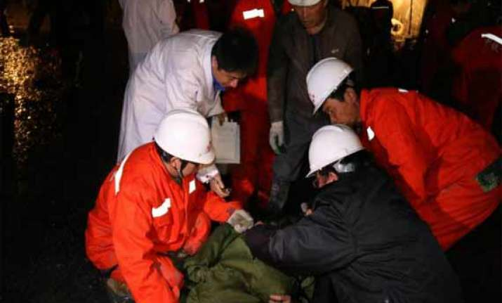 14 rescued in china tunnel collapse