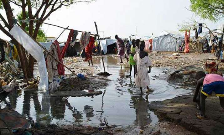 100 000 sheltering in un mission s bases in south sudan