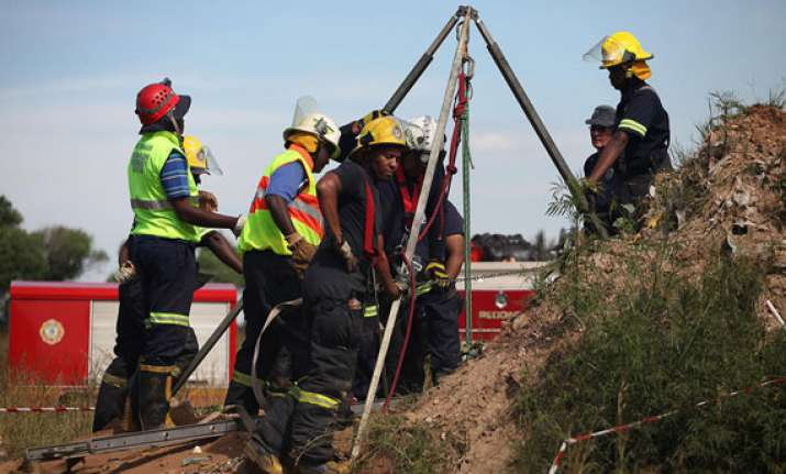 11 trapped miners rescued from south african mine