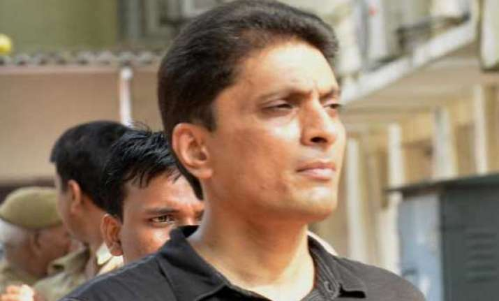 2g court says shahid balwa deserves to be taken in custody