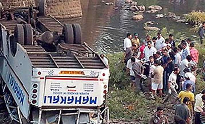 12 die as bus falls into maharashtra river