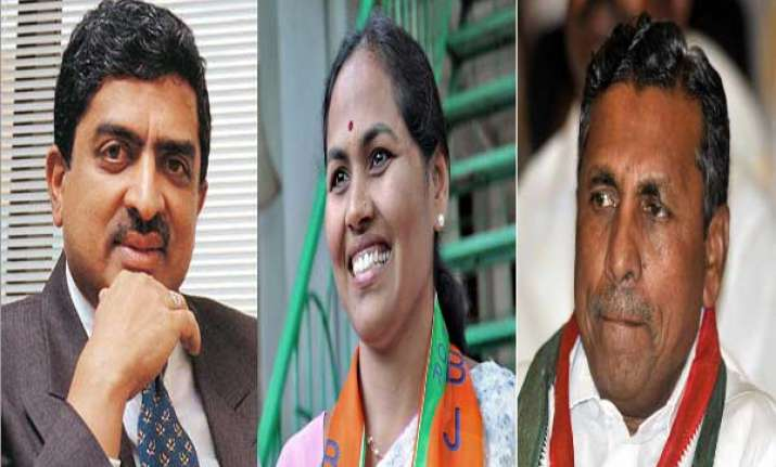 21 file papers in karnataka for april 17 ls polls