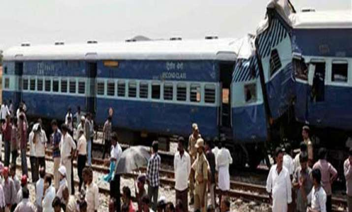 35 injured in train mishap
