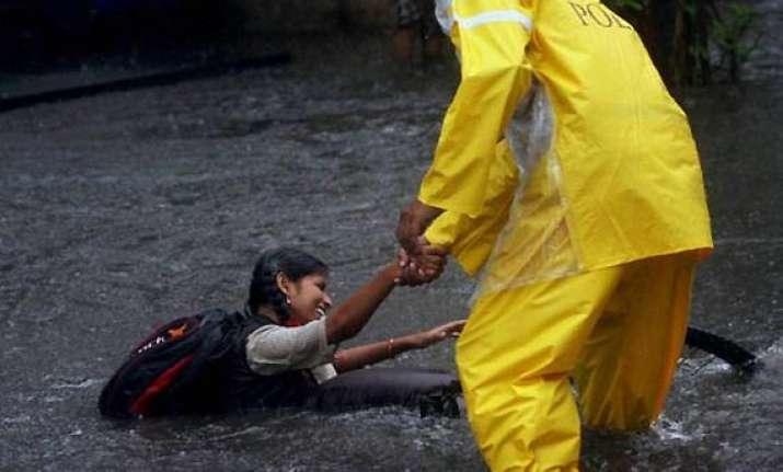 5 killed amid heavy rains lightning in maharashtra