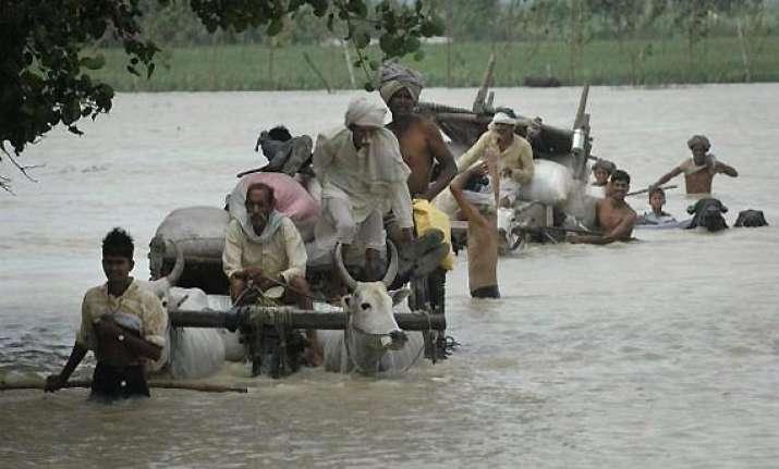 152 die in up floods five lakh displaced